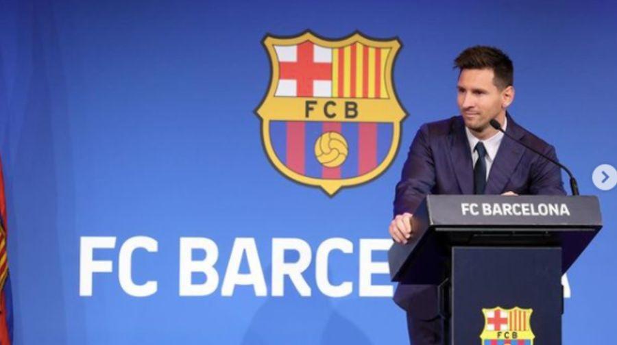 La actitud de AntonellaRoccuzzodurante la conferencia de Lionel Messi