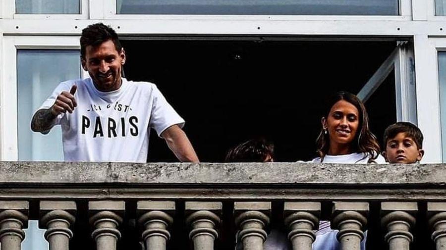 Lionel Messi, Antonela Roccuzzo y sus hijos Thiago, Mateo y Ciro en Paris