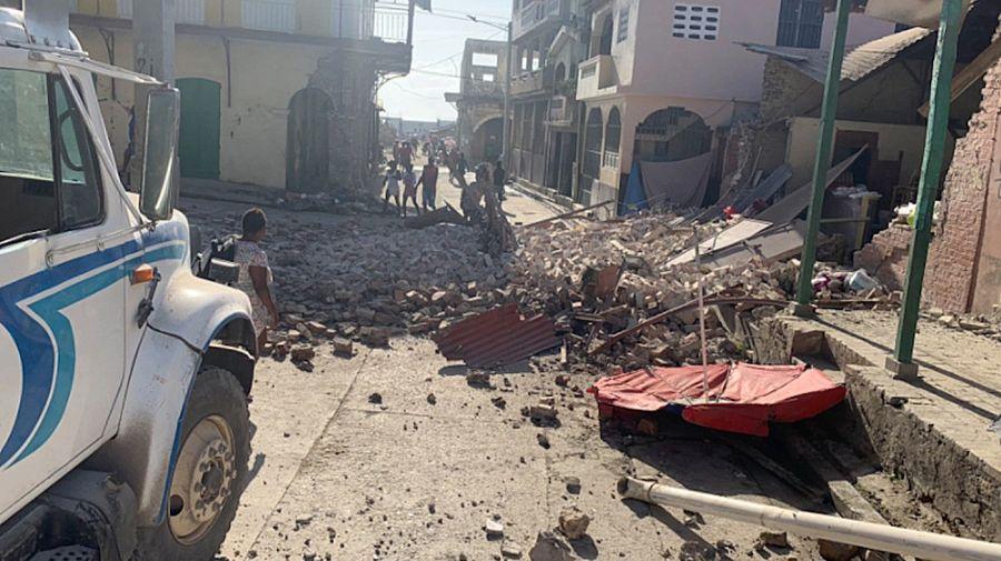 Postales de la devastación en Haití: ya hay más de 770 muertos por el violento terremoto.