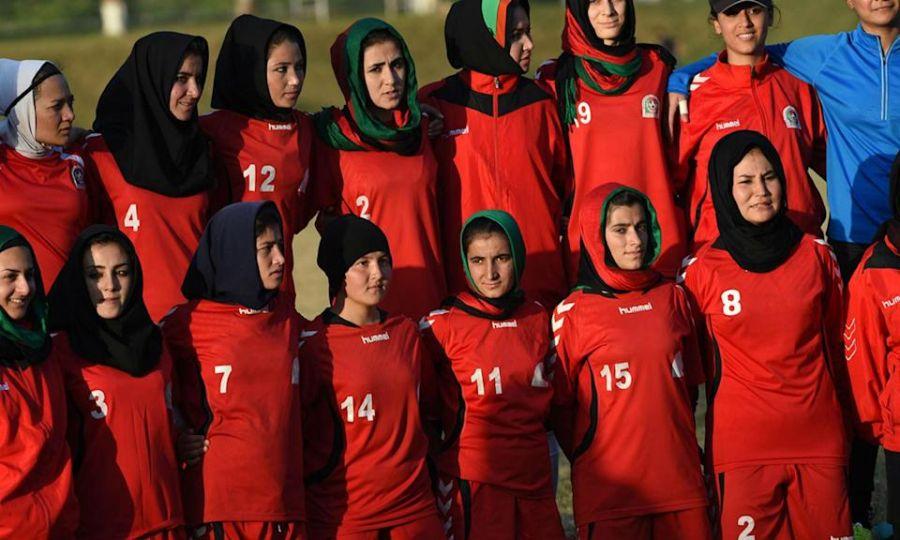Las futbolistas de Afganistán temen por sus vidas