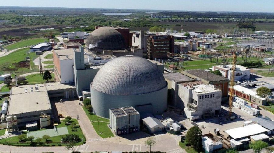 Central Nuclear Atusa en Sarat, Lima, Buenos Aires.