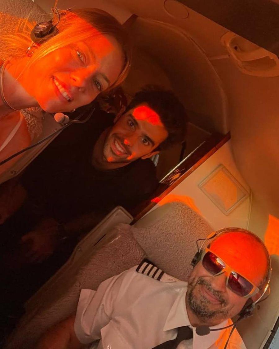 Nicole Neumann venció su miedo a volar gracias a su novio, Manu Urcera