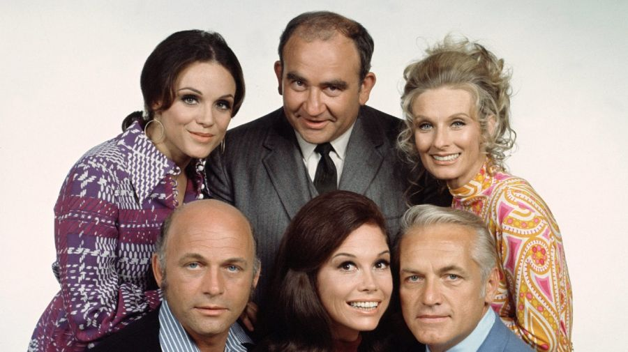 Ed Asner y el elenco de The Mary Tyler Moore Show