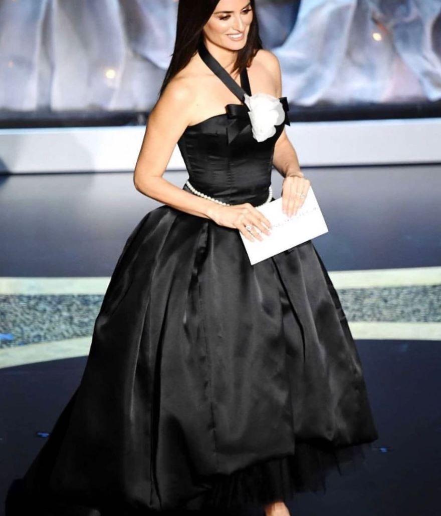 Penelope Cruz deslumbra en Chanel durante el Festival de Venecia