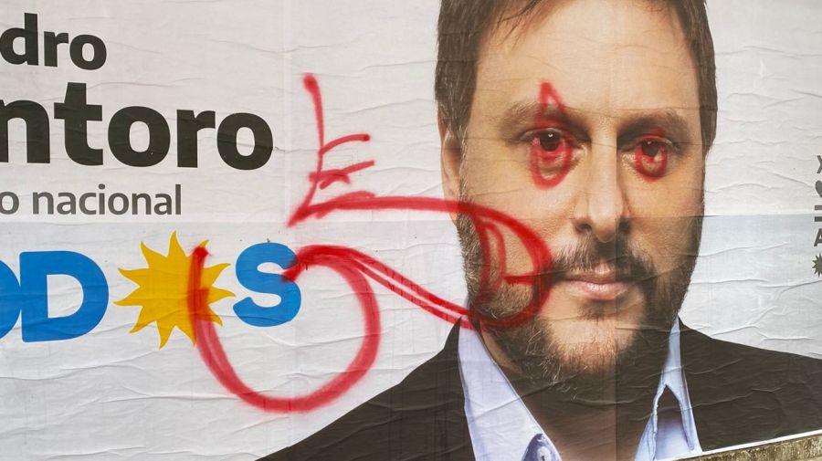 Alfredo Casero dibujo afiche Leandro Santoro