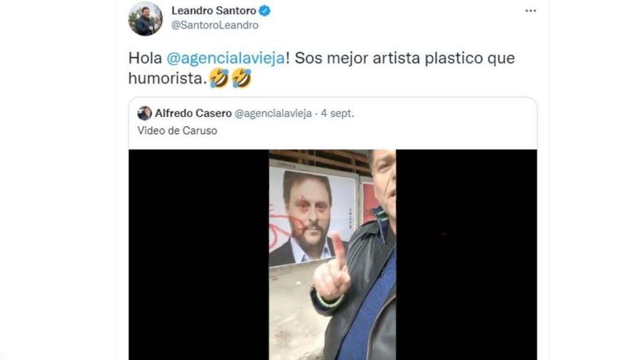 Alfredo Casero vandalizo afiche Leandro Santoro