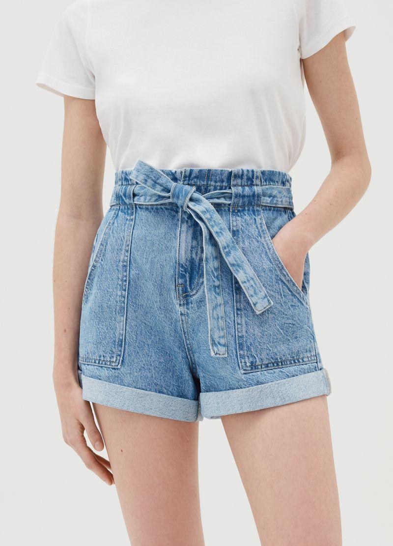 Jeans paper bag: Cómo crear looks para cualquier figura