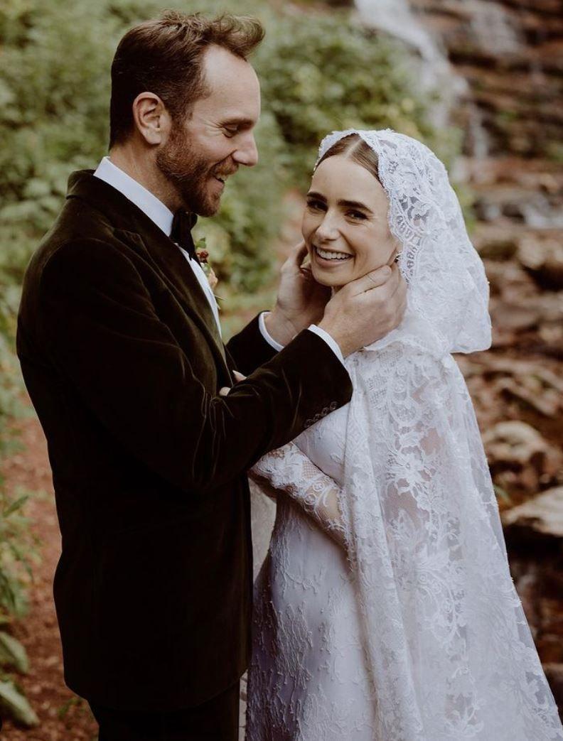El romántico vestido de novia Ralph Lauren elegido por Lily Collins