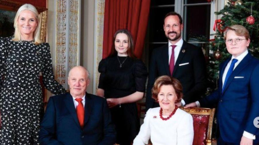 La princesa Ingrid Alexandra imitó a su madre y trabajó como camarera