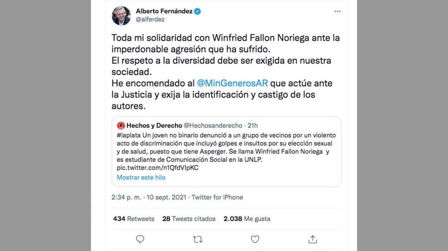 El presidente Alberto Fernández y la persona golpeada 20210910