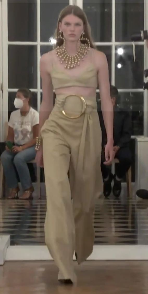 Looks de primavera verano Carolina Herrera 2022