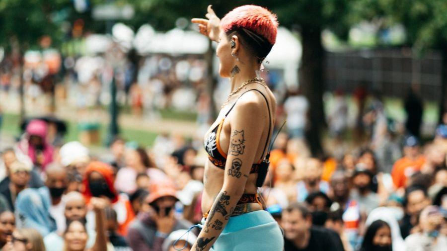 Cazzu en el festival Made in America organizado en Filadelfia