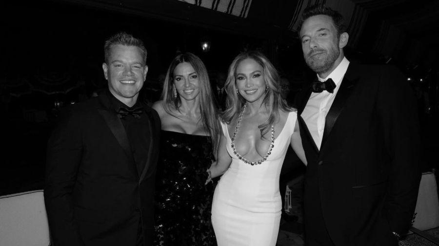 Matt Damon y Luciana Barroso y Jennifer Lopez y Ben Affleck