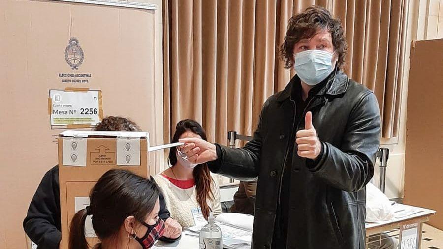 Javier Milei, votando en las PASO 2021.