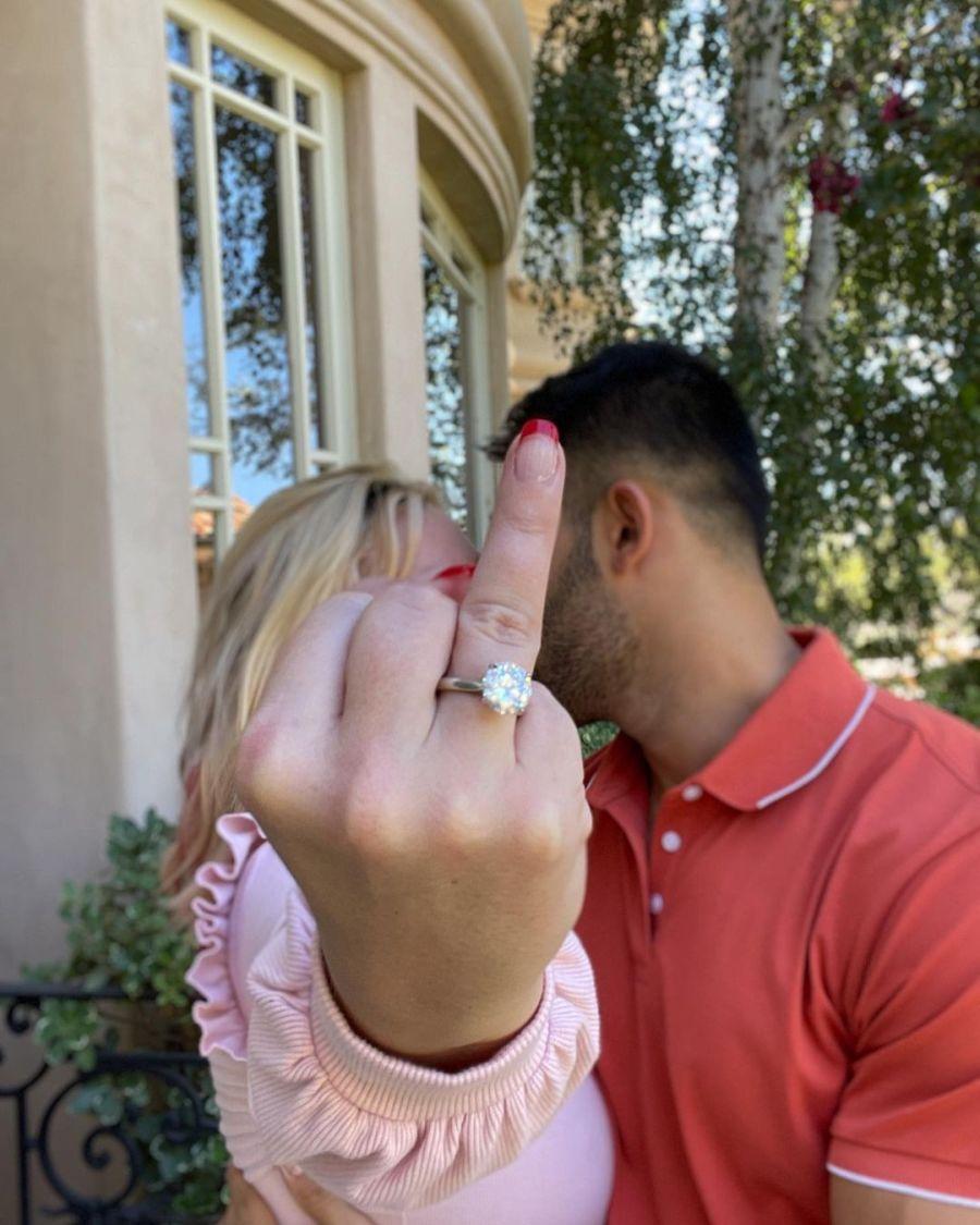 Britney Spears anunció su compromiso con un video que se hizo viral