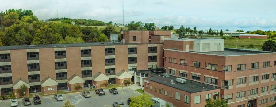 Hospital del estado de Nueva York pausará los partos por renuncias de empleados debido a requisitos de vacunación Covid