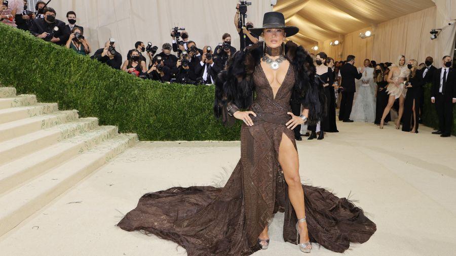 Fotogaleria Jennifer López asiste a la Gala Met 2021 Celebrating In America: A Lexicon Of Fashion en el Metropolitan Museum of Art en la ciudad de Nueva York
