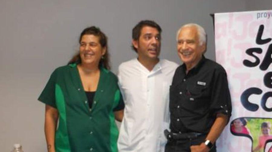 Alberto Cormillot junto a sus hijos Reneé y Adrián
