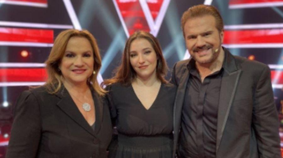 La sorpresa de hija de Lucia Galán alduoPimpinela