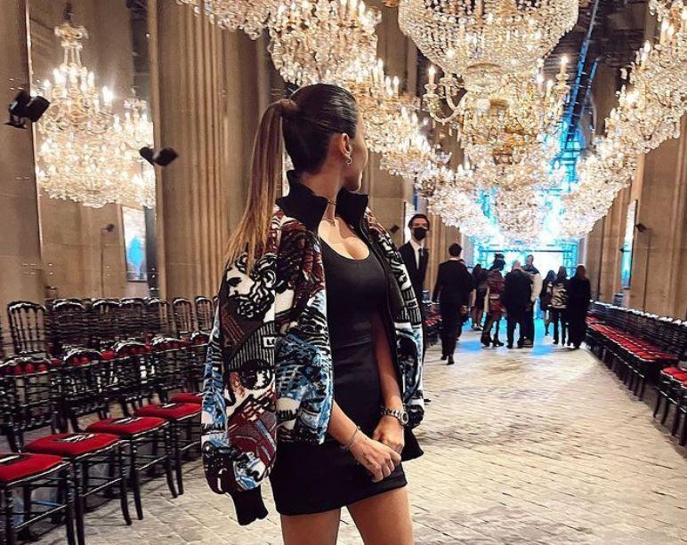 Antonela Roccuzzo durante Paris Fashion Week