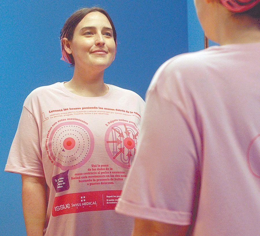 Por cada venta de la remera Furzai se donará una mamografía en el Centro Médico Rossi, a través de la Fundación MACMA.