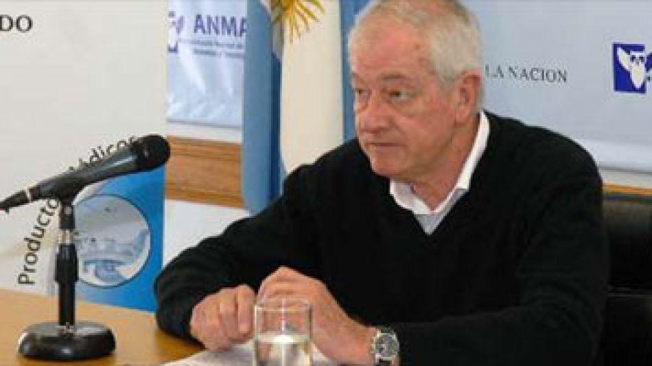 """El interventor de la ANMAT, Oscar Zubieta, advirtió en conferencia de prensa que """"no es la primera que tenemos productos importados de lugares denominados del primer mundo que tenemos que mandar de vu"""