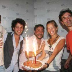 Dario Lopilato de festejo