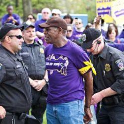 El actor Danny Glover arrestado