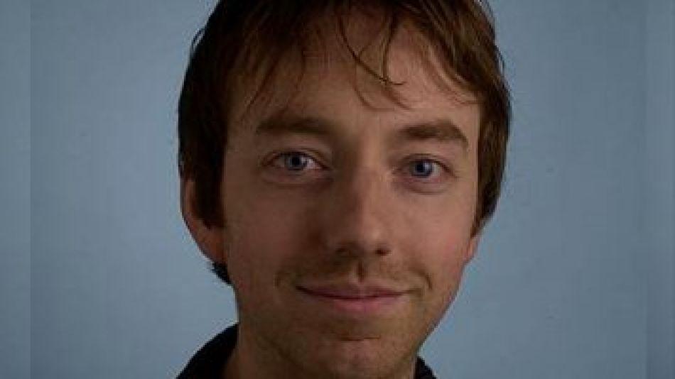 Mark Gasson, el hombre que experimenta con virus de computadora en su cuerpo.