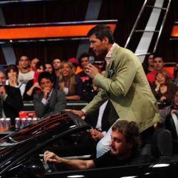 Marcelo entra en el auto al estudio de Showmatch