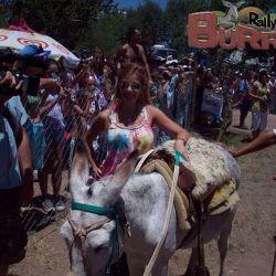 Virginia Gallardo con su burro / Cadena 3