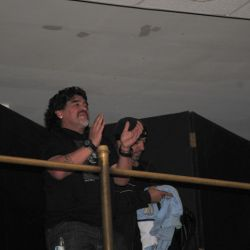 "Diego Maradona viendo ""Fortuna 2"""