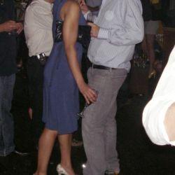 Antonito muy cerca de otra chica | Univision