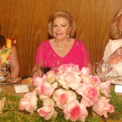 Mirtha Legrand, María del Carmen Cheda de Alvarez Arguelles y Claudia Alvarez Arguelles