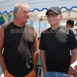 Juan Alberto Badía en Pinamar con el cantante Rubén Matos   Foto: Jorge Mangione