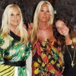 Con Mecha, su hija, y Lucía, su nieta