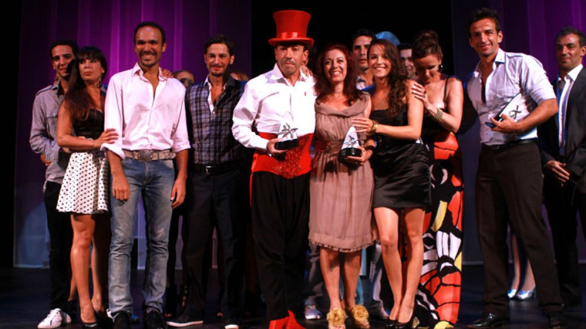 Aníbal Pachano y los integrantes de Pour la gallery