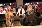 Roberto Piazza con Fátima Florez e Iliana Calabró