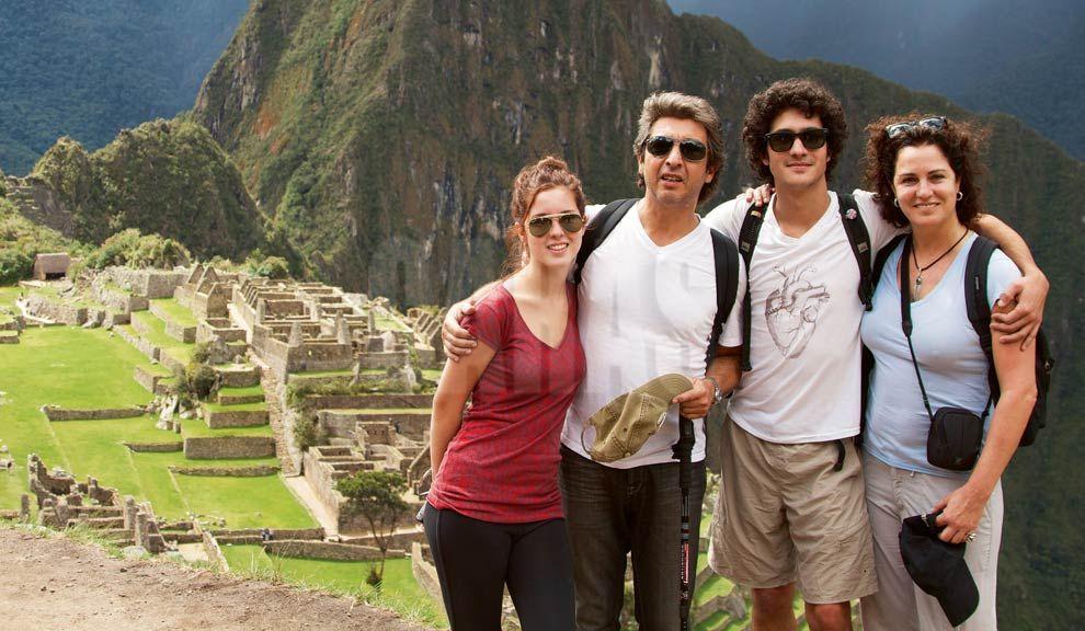 Darín y familia en Machu Picchu - Caras