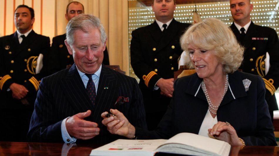 El príncipe Carlos fue el encargado de confirmar el vínculo con Drácula.