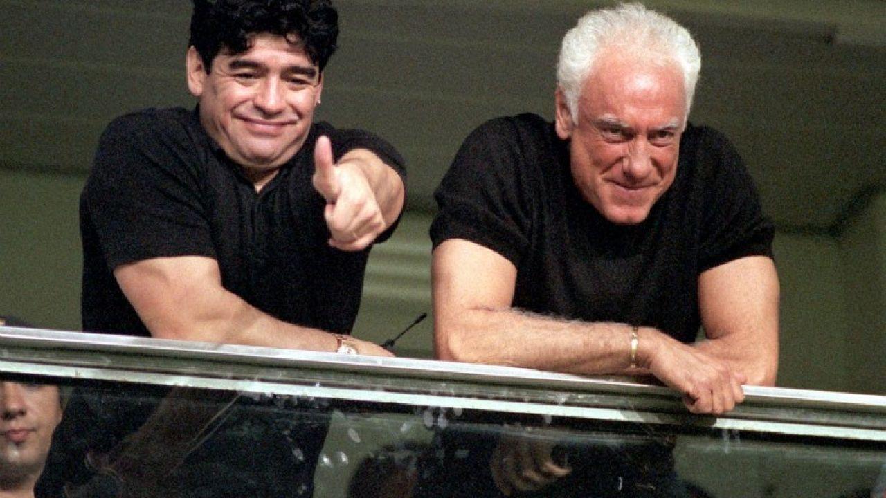 https://fotos.perfil.com/2011/11/01/trim/1280/720/1101-maradona-coppola-g-afp.jpg