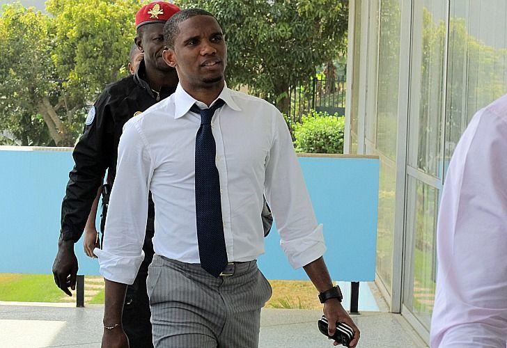 Samuel Eto'o será suspendido por quince partidos. / AFP