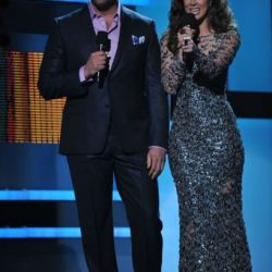 Eduardo Santamarina y Jacqueline Bracamontes fueron los presentadores