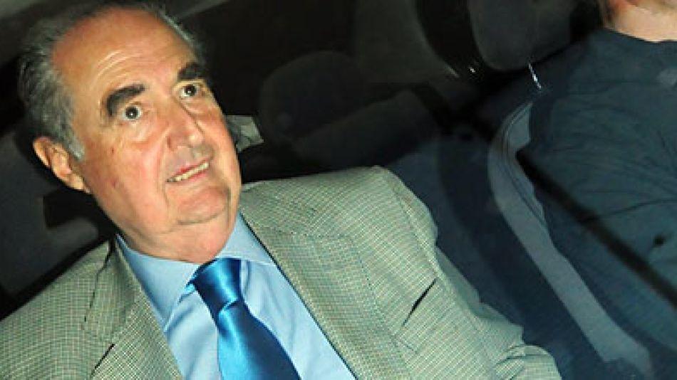 """El ahora ex Procurador General de la Nación dijo que ya no tenía """"serenidad espritual"""". Vació su oficina y se retiró antes las cámaras."""