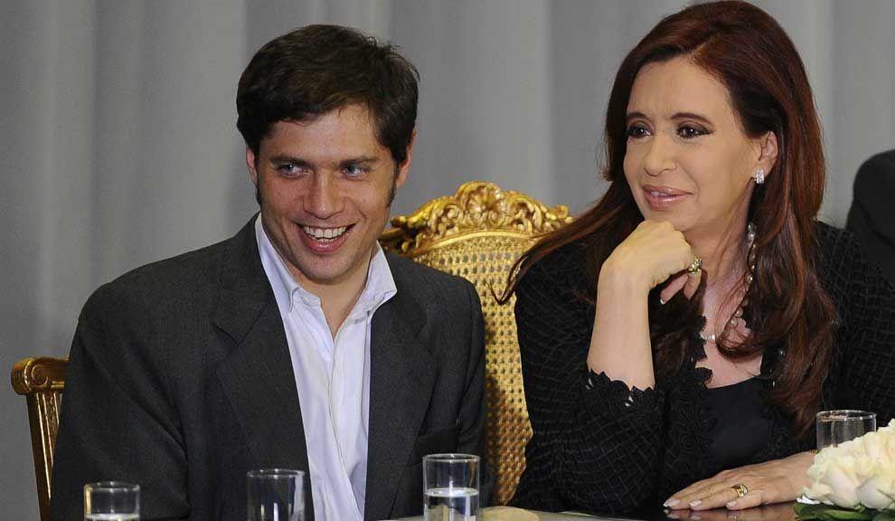 Axel Kicillof junto a Cristina durante la presentación, ayer, de un plan de créditos para financiar viviendas.