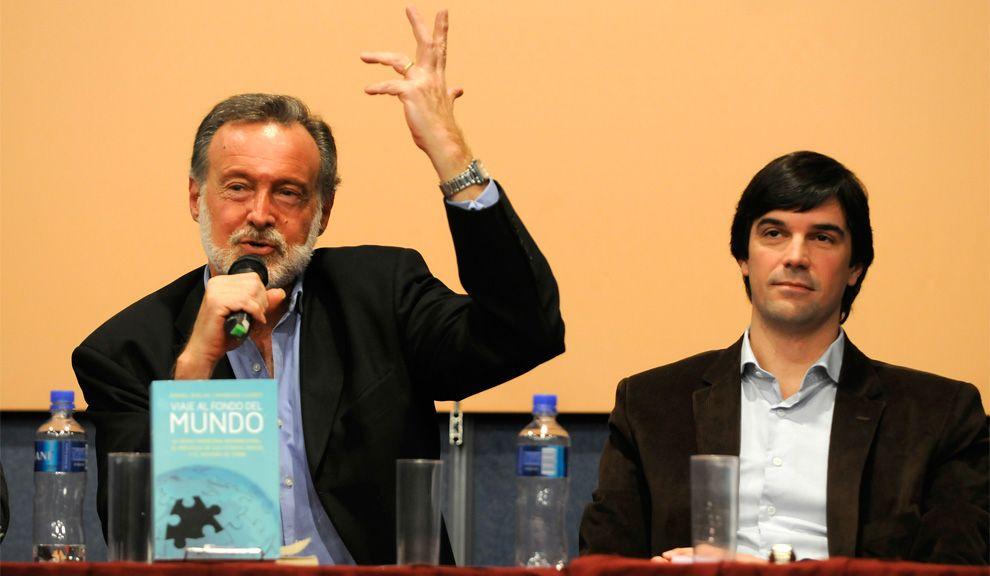 El ex Canciller Rafael Bielsa junto al periodista Rodrigo Lloret.