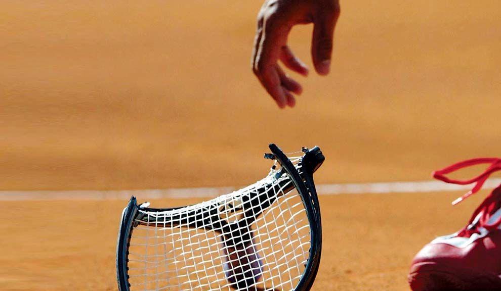 La bronca que juega al tenis
