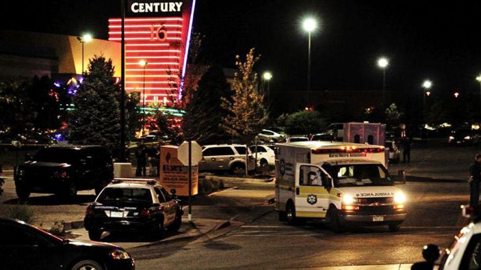 Al menos 14 personas murieron y otras 50 resultaron heridas hoy en un shopping en las afueras de Denver, Colorado.