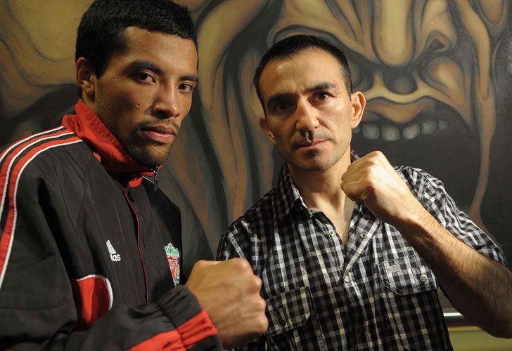 Omar Narvaéz sufrió la pérdida de su padre por lo que el combate ante Johnny García (foto) será pospuesto para el sábado. / Télam