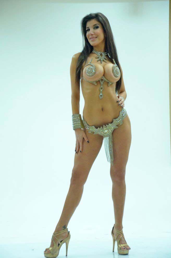andrea-rincon-naked-body